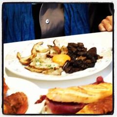 Batali-approved mushroom and egg yolk tapas. San Sebastian tapas are amazing! #tapas #sansebastian #ilovespain #hongosftw