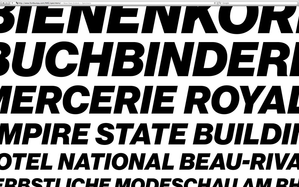 Neue Haas Grotesk | Zooming in to the SVG specimens on the N