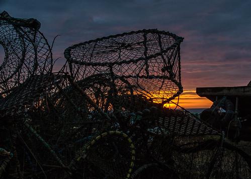 sunrise sunup daybreak pots fishing hastingsbeach fishingstade hastings eastsussex