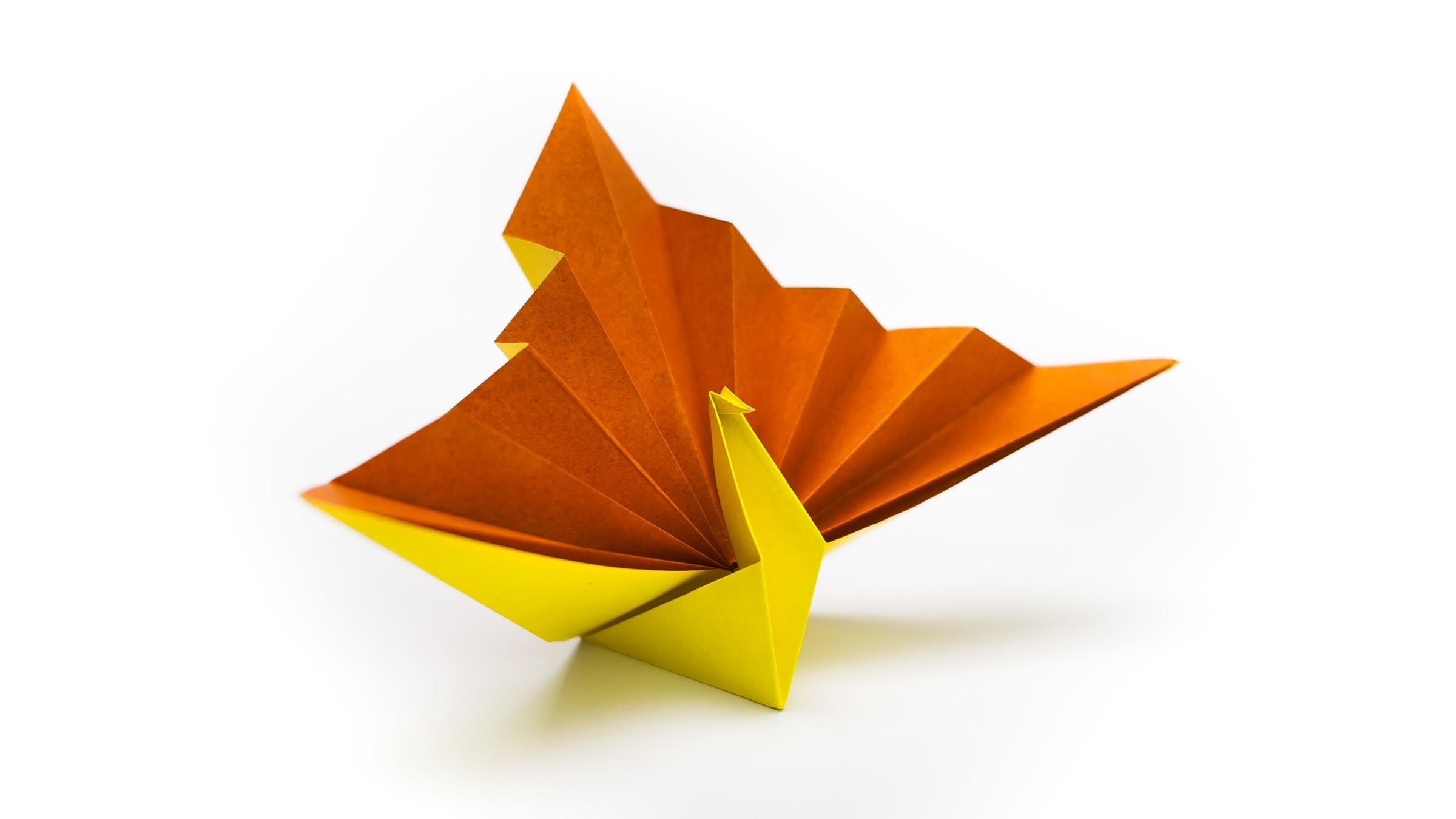 วิธีพับกระดาษเป็นรูปนกยูง (Origami Peacock - ピーコックの折り紙) D