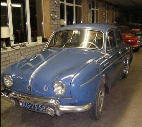 XG-75-58 Renault R1090 Dauphine 1957