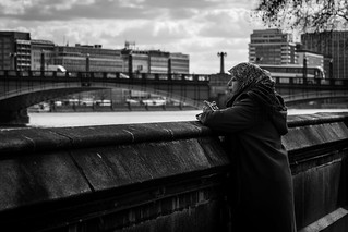 She Consults the Thames   by roberthest