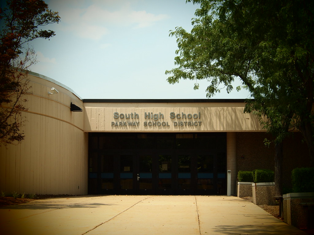 Parkway South High School - Manchester, MO_P7087359
