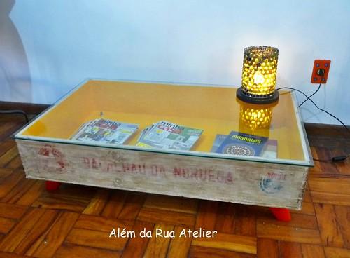 Mesa feita com caixote reutilizado   by ALÉM DA RUA ATELIER/Veronica Kraemer