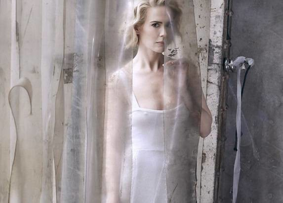 Sarah Paulson Poses Topless for W Magazine. See the NSFW Pic!