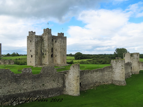 ireland castle fort norman keep trim fortifications fortress 2012 countymeath trimcastle sewerdoc ©jaredfein ireland2012