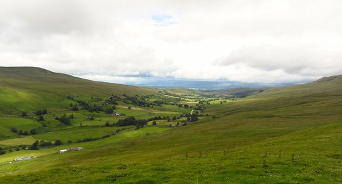 Looking down Mallerstang to the Eden Valley | by walkinguphills