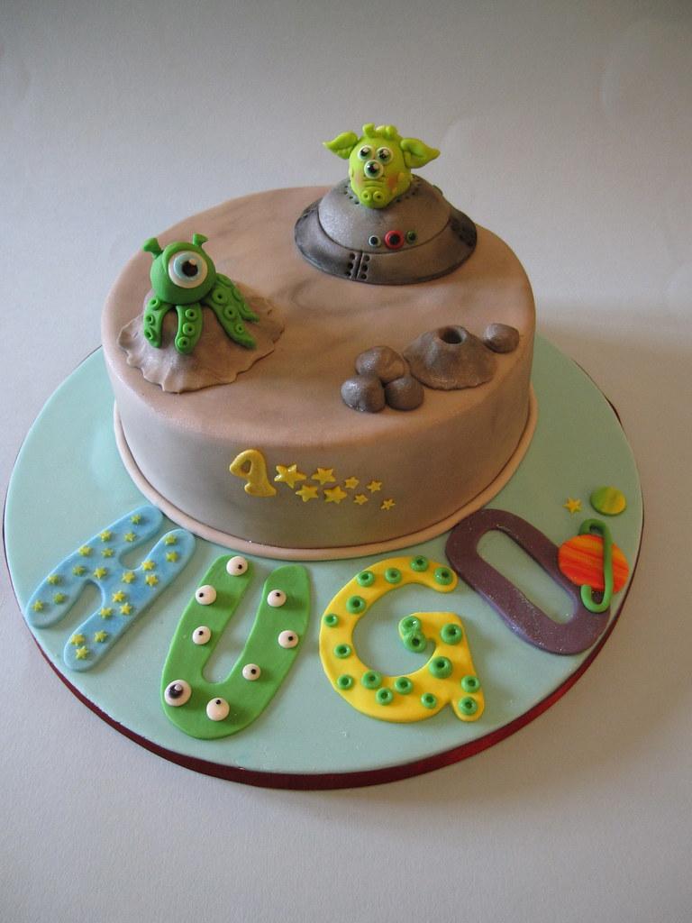 Fabulous Space Alien Birthday Cake This Is An 8 Chocolate Mud Ca Flickr Funny Birthday Cards Online Elaedamsfinfo