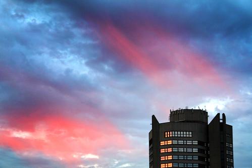 germany deutschland sonnenuntergang himmel wolken rathaus göttingen abendhimmel niedersachsen polarlicht nordlicht