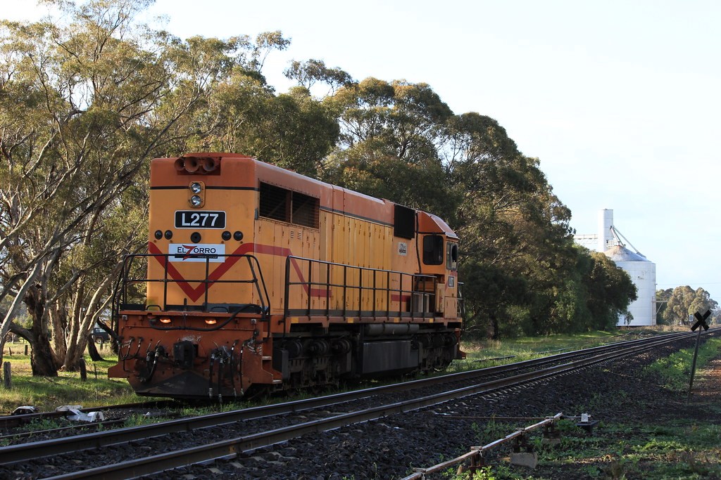 L277 stabled in Glenorchy looking in the up direction by bukk05