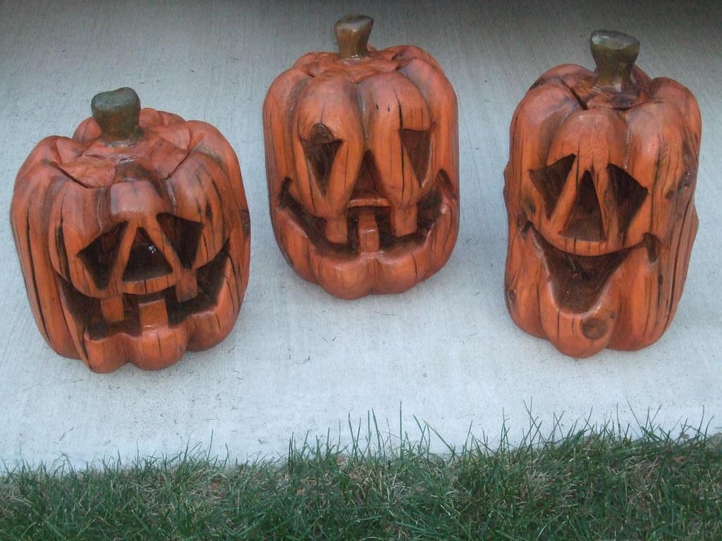 Chainsaw carved pumpkin group dave schaeffer dave schaeffer
