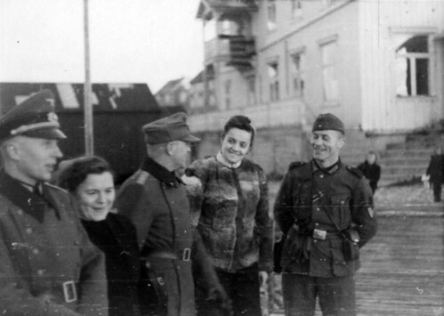 Soldater i gatebildet