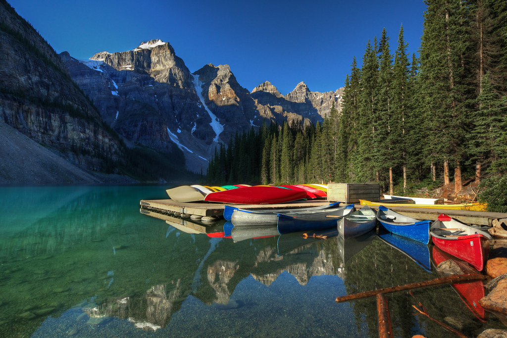 Canoes on Lago Moraine