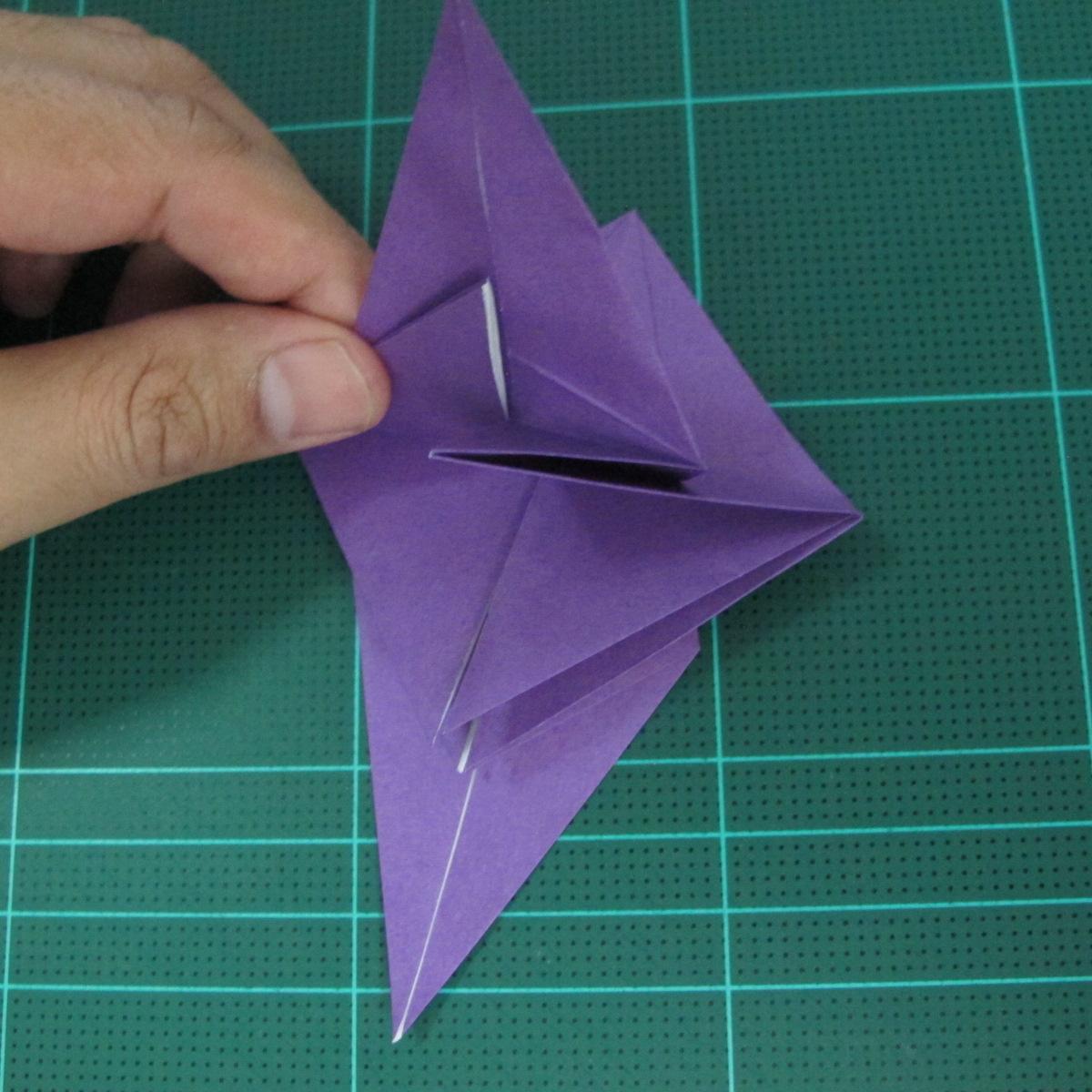 การพับกระดาษเป็นฐานนกอินทรี (Origami Eagle) 024