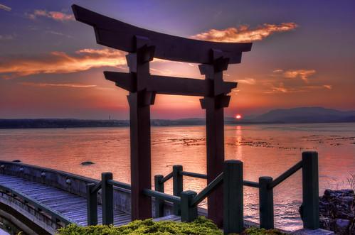 ocean sunset color walkway quadraisland discoverychannel billanderson canon40d japanesearch aprilpointlodge