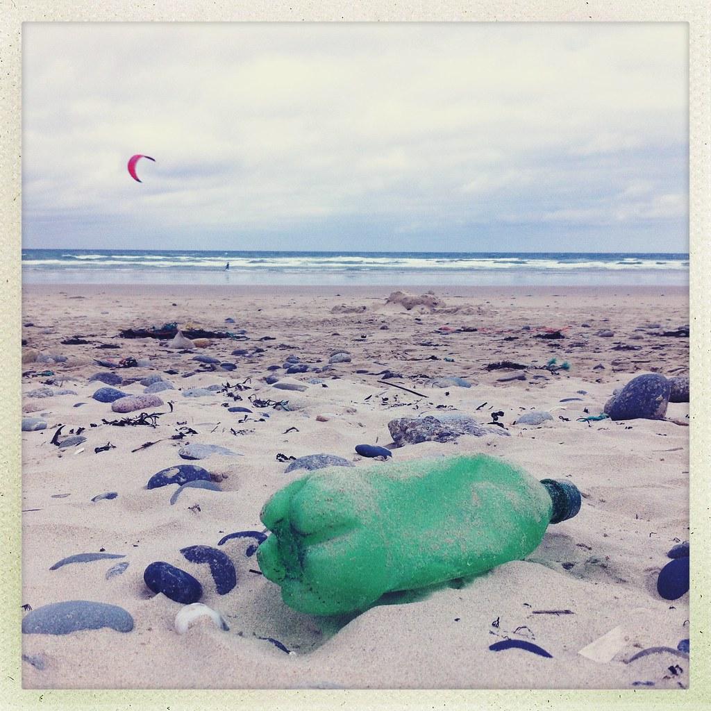 La bouteille qui regardait passer les kitesurf