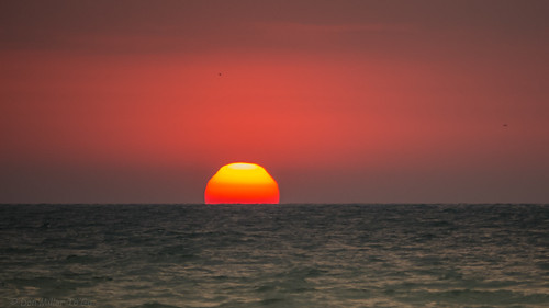 red orange sun seascape gulfofmexico water yellow catchycolors florida sunsets fav20 g5 telephoto oceans fav30 fav15 fav10 views500 views200 views400 views300 sunsetmadness sunsetsniper