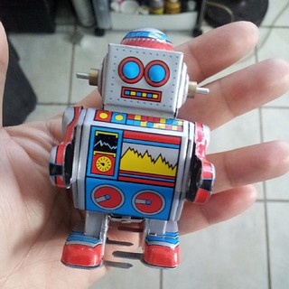 The last #tin #robot to join the #robotcollection is this baby right here. #tinrobot #1960 #retro #vintage #winduprobot #windup #China #MS235 #silver #blue #red #yellow | by Reavel