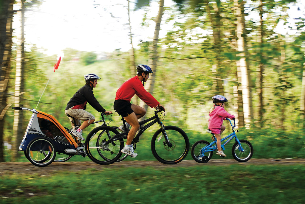Children Cycling | Free to distribute, but please attribute … | Flickr