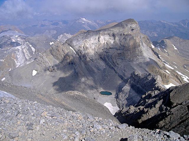 Cilindro de Marboré y Lago Helado desde Monte Perdido