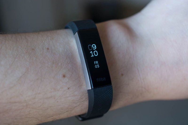 Fitbit proves heart rate monitors can be slim with new Alta …