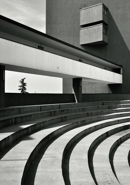 Gallaratese II Housing / Carlo Aymonino