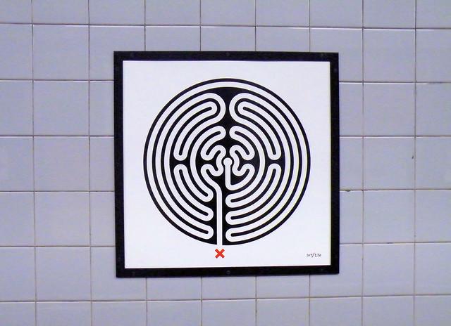 Labyrinth 107/270
