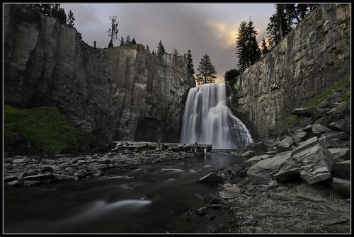 waterfall bravo sierra rainbowfalls devilspostpile sanjuaquinriver waterfallwednesday sierranevedadsc4152a
