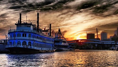 sunset port wasser sonnenuntergang harbour hamburg blau hafen landungsbrücken elbe schaufelrad