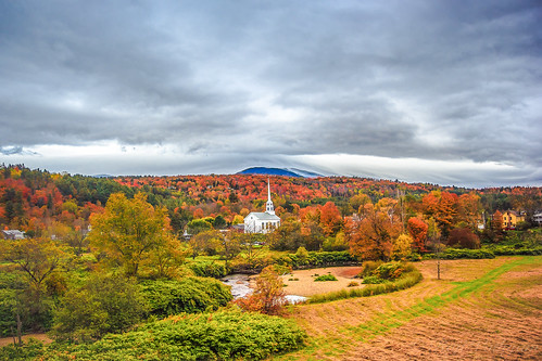pink red orange cold green fall church water colors beautiful yellow canon landscape vermont view cloudy hill scenic peak foliage stowe 1755mmf28 eos60d