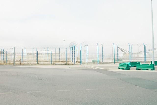 Ferry wait fence