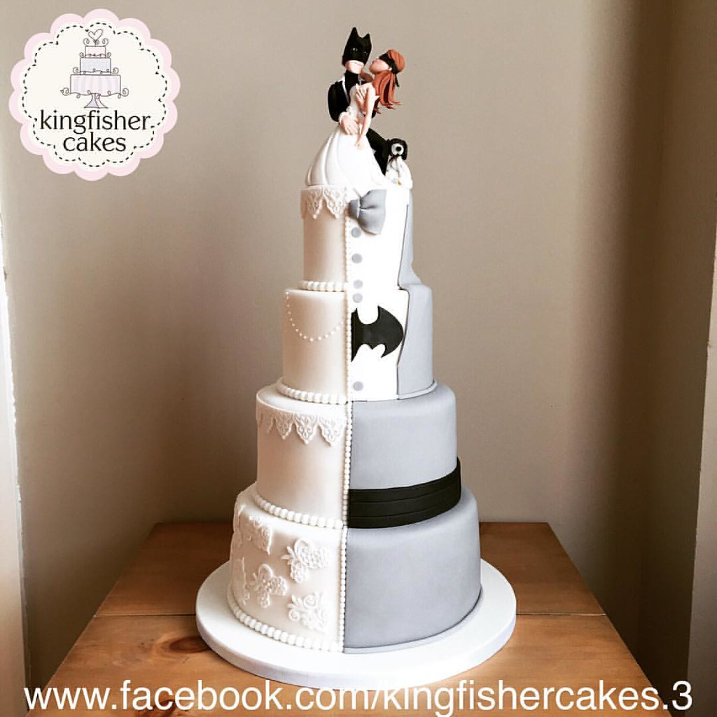 Batman Wedding Cake.Yesterday S Fabulous Wedding Cake A Half And Half Batman Flickr