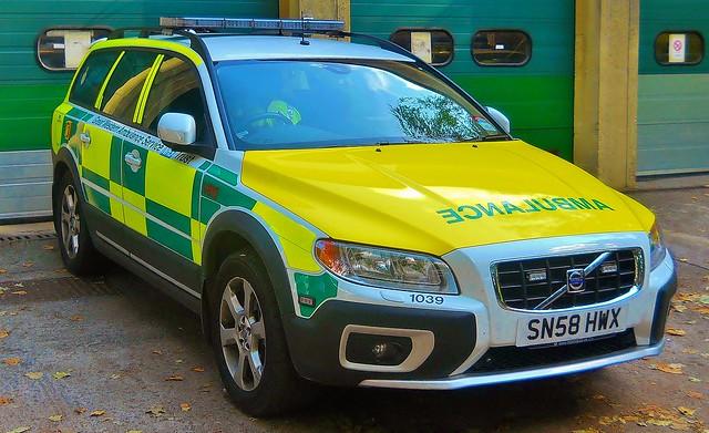 Great Western Ambulance Service Volvo XC70 Rapid Response Cleveland Bridge Bath /1039 /SN58HWX