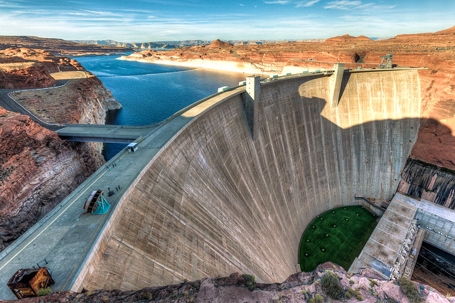 Glen Canyon Dam of Lake Powell