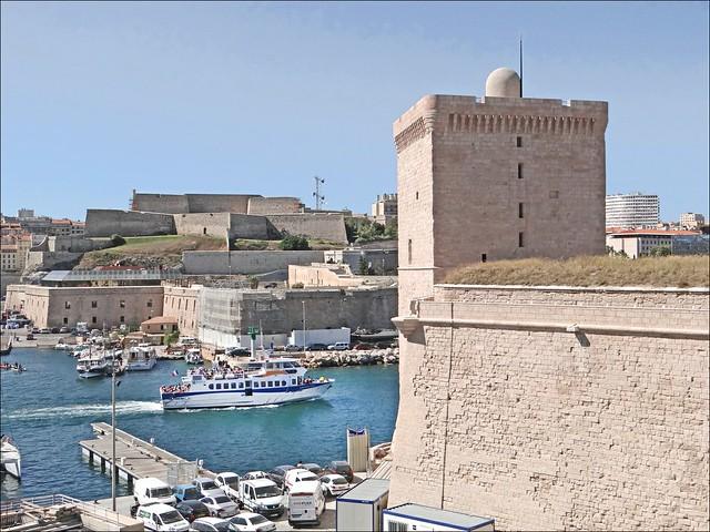 L'entrée du Vieux Port de Marseille