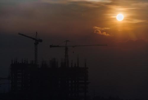 sun construction crane philippines taguig 18105 bgc fortbonifacio bonifacioglobalcity