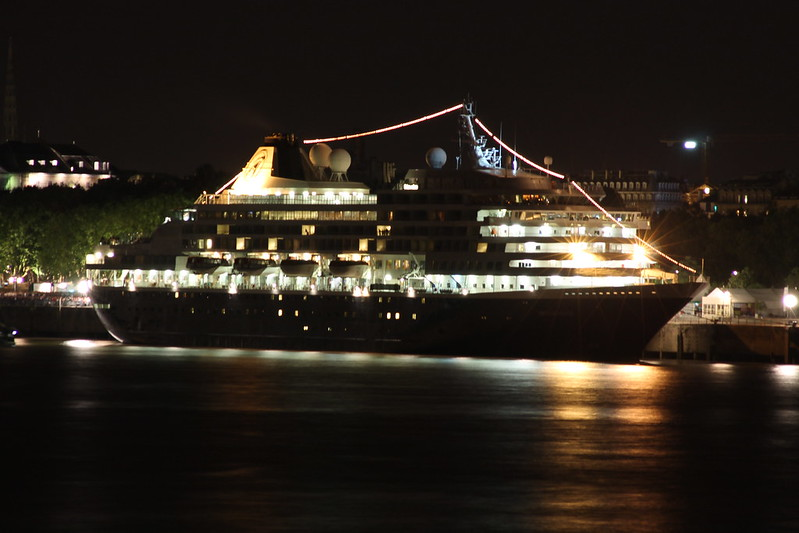 Prinsendam by night - Bordeaux - 30 juin 2012