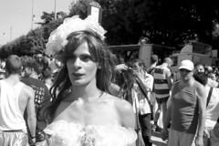 2012-06-23 Roma Gay Pride drag queen vestita da sposa