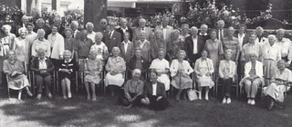 A large group of Sagehens from Mt. San Antonio Gardens retirement community gathered for a photo in 1993.