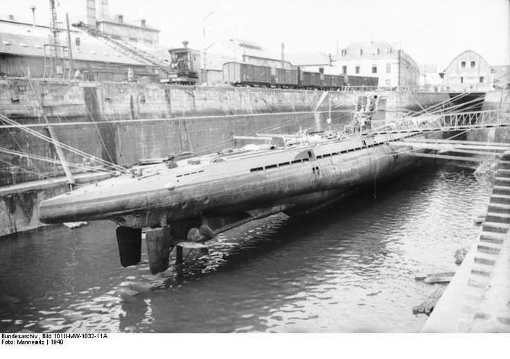 U-37 у сувом доку