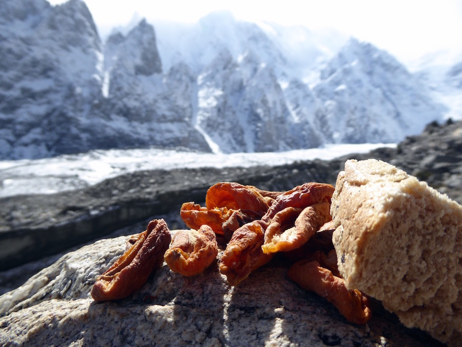 Street Food: Apricots and Mountain Bread