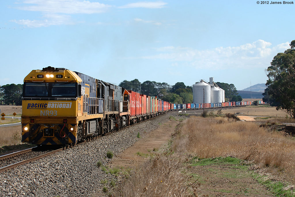 NR93, XRB561 and NR83 at Tatyoon with 6AM3 by James Brook