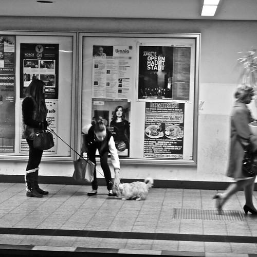 Nella U-Bahn   by specchio.nero
