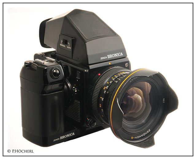 Zenza Bronica SQ AI with Zenzanon S 40mm