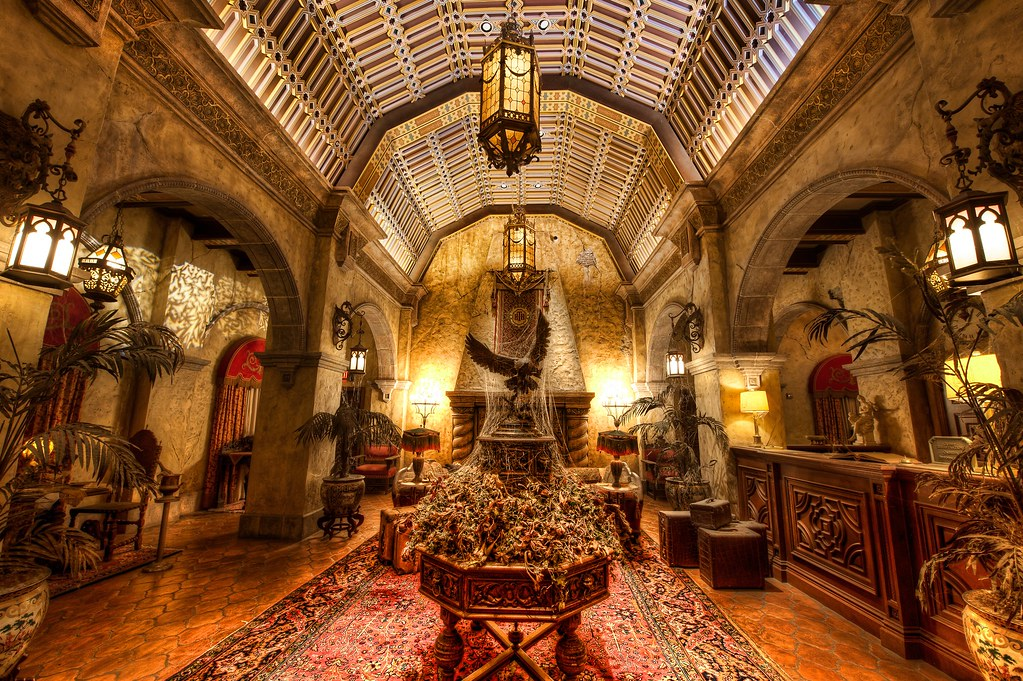 Inside the Hollywood Tower Hotel | Room inside the Hollywood… | Flickr