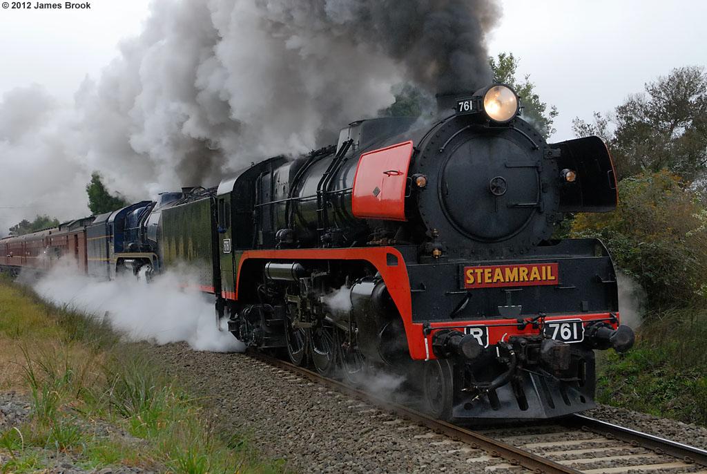 R761 and R711 depart Moe by James Brook