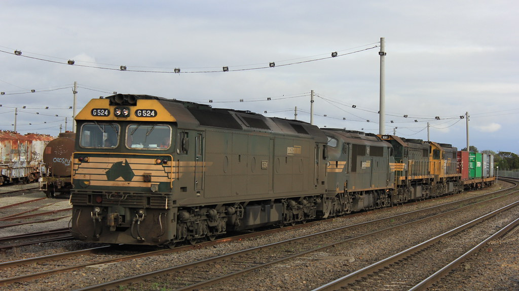 G524 A71 X37 and X41 roll through Tottenham yard as it nears the end of it journey from Mildura by bukk05