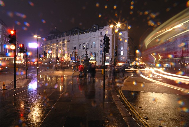 Wet Piccadilly