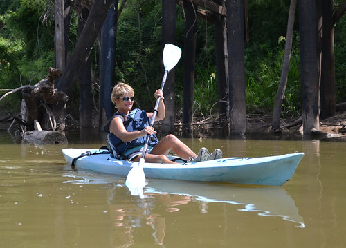 kayak abandoned railroad truss bridge washingtoncounty wallercounty brazos river hempstead brenham texas austin branch road pontist united states north america