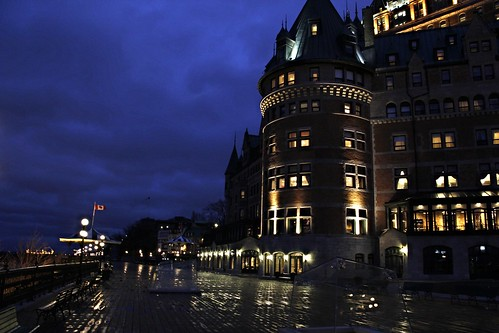 city urban green castle history tourism architecture night buildings river cityscape waterfront quebec ngc arts landmarks leisure hotels nightfall